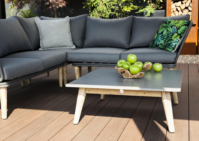 Kanapa ogrodowa – odpocznij w otoczeniu zieleni!