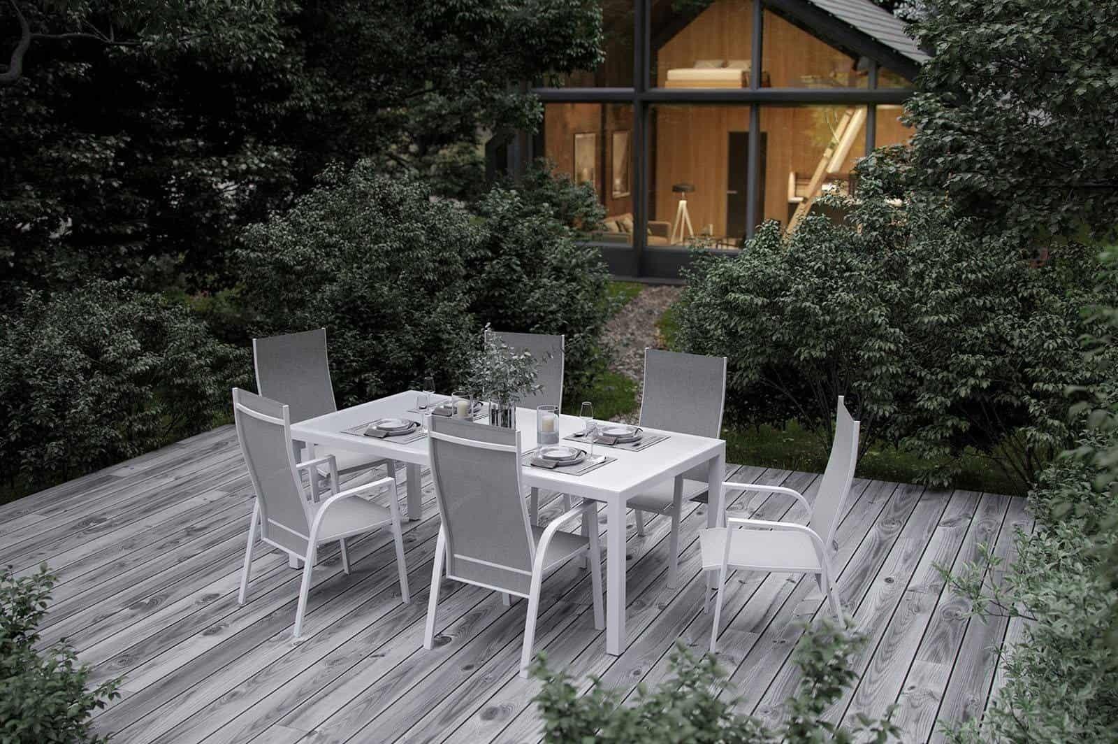 Komplet balkonowy – wybierz wygodne meble wypoczynkowe