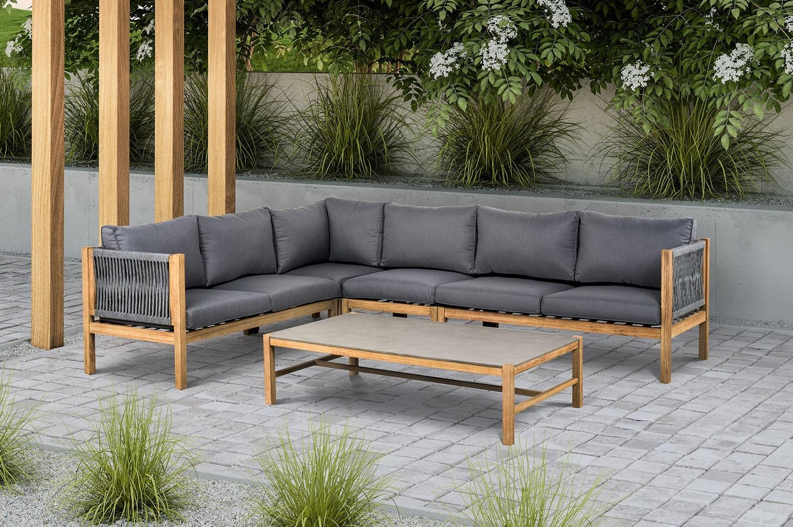 Kanapa na balkon – komfortowy mebel dla całej rodziny
