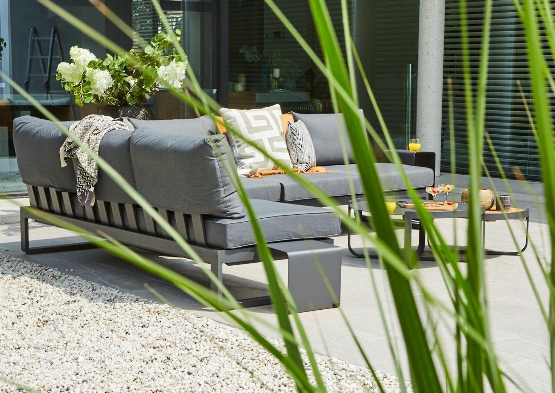 Rogówka ogrodowa – wygodny mebel na lato!