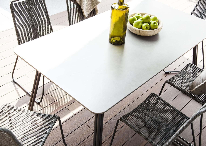 meble wypoczynkowe na taras stół Simi